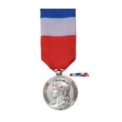 Médaille du Travail:20ans: bronze argenté +Option  Gravure  (Nom+Prénom+Année promotion) vendu sans le fixe