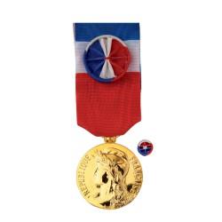 Médaille du Travail:30ans: bronze doré (Vermeil )+ Option Gravure (Nom+Prénom+Année promotion)-Vendu sans la rosette   -